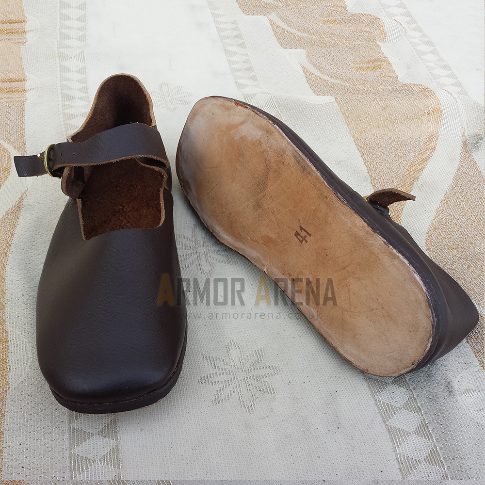 Latchet Shoe With Strap And Buckle