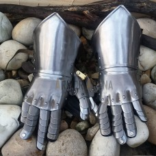 Gothic Gauntlets with Hinges